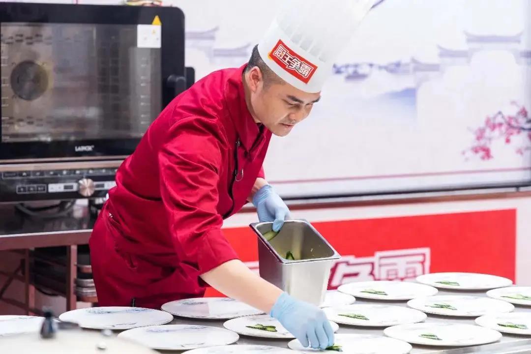 征戰央視《廚王爭霸》!新東方烹飪名師戰隊特輯——名師周后超